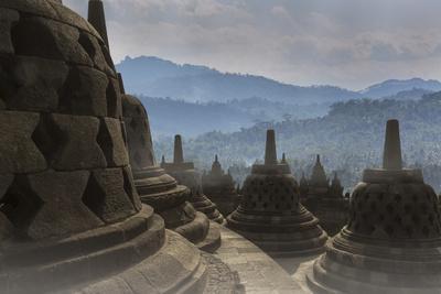 https://imgc.allpostersimages.com/img/posters/borobudur-buddhist-temple-unesco-world-heritage-site-java-indonesia-southeast-asia_u-L-PQ8OCB0.jpg?p=0