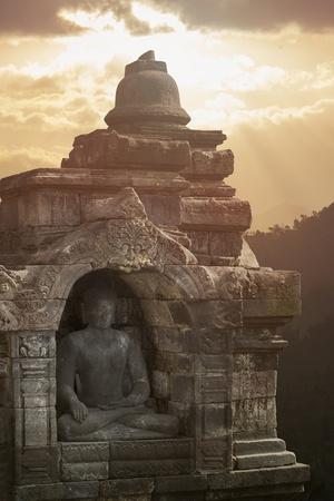 https://imgc.allpostersimages.com/img/posters/borobudur-buddhist-temple-unesco-world-heritage-site-java-indonesia-southeast-asia_u-L-PQ8OCN0.jpg?p=0