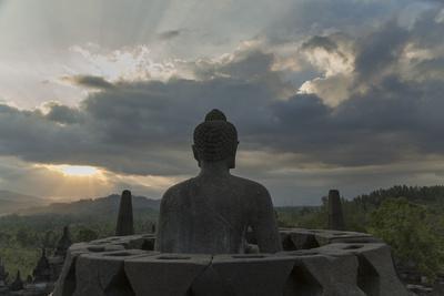 https://imgc.allpostersimages.com/img/posters/borobudur-buddhist-temple-unesco-world-heritage-site-java-indonesia-southeast-asia_u-L-PQ8ODN0.jpg?p=0