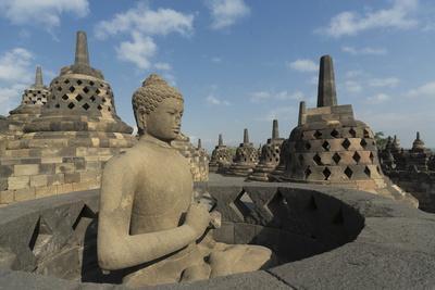 https://imgc.allpostersimages.com/img/posters/borobudur-buddhist-temple-unesco-world-heritage-site-java-indonesia-southeast-asia_u-L-PQ8ODZ0.jpg?p=0