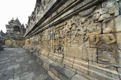 https://imgc.allpostersimages.com/img/posters/borobudur-buddhist-temple-unesco-world-heritage-site-java-indonesia-southeast-asia_u-L-PQ8OEB0.jpg?p=0