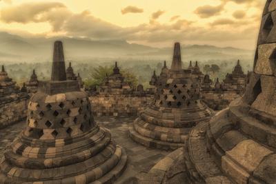 https://imgc.allpostersimages.com/img/posters/borobudur-buddhist-temple-unesco-world-heritage-site-java-indonesia-southeast-asia_u-L-PQ8P0B0.jpg?p=0