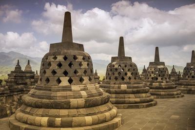 https://imgc.allpostersimages.com/img/posters/borobudur-buddhist-temple-unesco-world-heritage-site-java-indonesia-southeast-asia_u-L-PQ8QCZ0.jpg?p=0