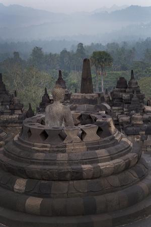 https://imgc.allpostersimages.com/img/posters/borobudur-buddhist-temple-unesco-world-heritage-site-java-indonesia-southeast-asia_u-L-PQ8QEB0.jpg?p=0
