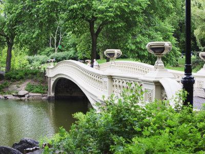 https://imgc.allpostersimages.com/img/posters/bow-bridge-central-park-manhattan_u-L-P91O4F0.jpg?p=0