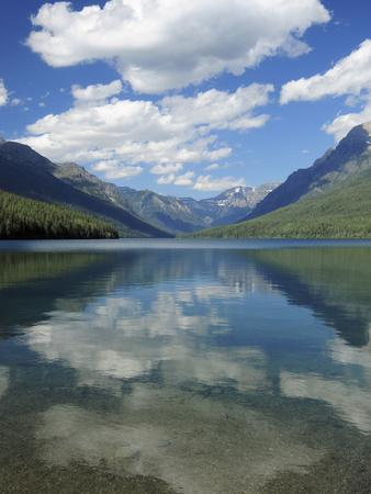 https://imgc.allpostersimages.com/img/posters/bowman-lake-in-the-late-afternoon-glacier-national-park-montana-usa_u-L-PHAKHJ0.jpg?p=0