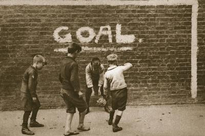 https://imgc.allpostersimages.com/img/posters/boys-playing-in-the-east-end-from-wonderful-london-published-1926-27-photogravure_u-L-Q1HHDCI0.jpg?artPerspective=n