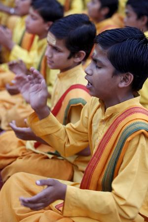 https://imgc.allpostersimages.com/img/posters/brahmachari-singing-in-parmath-rishikesh-uttarakhand-india_u-L-Q1GYN2G0.jpg?artPerspective=n