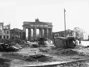 Brandenburg Gate, Berlin 1945