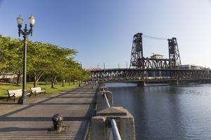 Oregon, Portland. Waterfront Park Along the Willamette River by Brent Bergherm