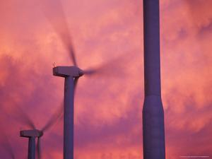 Wind Turbines at the Stateline Wind Project, Walla Walla County, Washington, USA by Brent Bergherm
