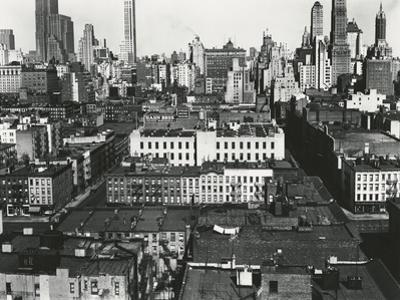 Midtown, New York, 1943 by Brett Weston