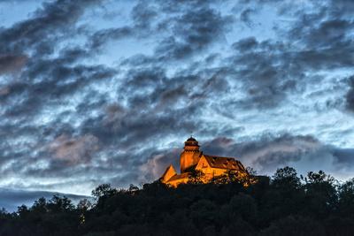 https://imgc.allpostersimages.com/img/posters/breuberg-hesse-germany-castle-breuberg-at-dusk_u-L-Q11YV2B0.jpg?p=0