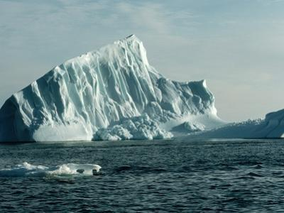 Icebergs in Jones Sound