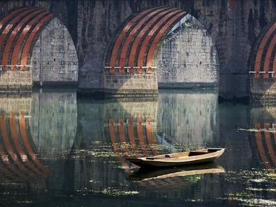 https://imgc.allpostersimages.com/img/posters/bridge-and-boat-on-wuyang-river-zhenyuan-guizhou-china_u-L-PHAJOJ0.jpg?p=0