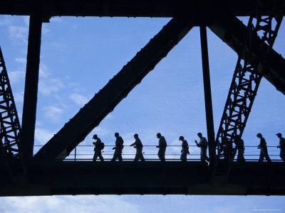 https://imgc.allpostersimages.com/img/posters/bridge-climb-participants-in-silhouette-sydney-harbour-bridge-sydney-new-south-wales-australia_u-L-P2KCTO0.jpg?p=0