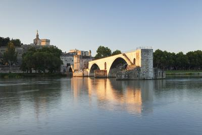 https://imgc.allpostersimages.com/img/posters/bridge-st-benezet-over-rhone-river_u-L-Q12SBSZ0.jpg?p=0