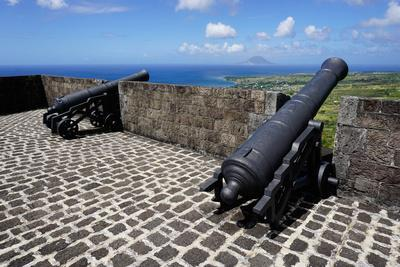 https://imgc.allpostersimages.com/img/posters/brimstone-hill-fortress-st-kitts-st-kitts-and-nevis_u-L-PWFLU20.jpg?p=0