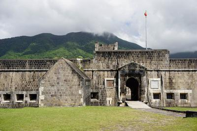 https://imgc.allpostersimages.com/img/posters/brimstone-hill-fortress-st-kitts-st-kitts-and-nevis_u-L-PWFLUE0.jpg?p=0