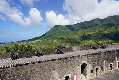https://imgc.allpostersimages.com/img/posters/brimstone-hill-fortress-st-kitts-st-kitts-and-nevis_u-L-PWFLVE0.jpg?p=0