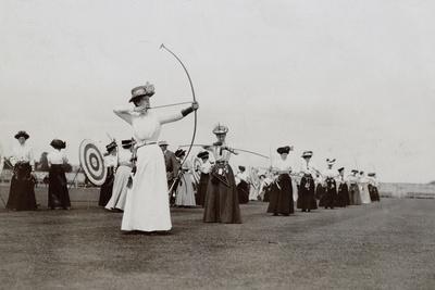 Women's Archery, 1909