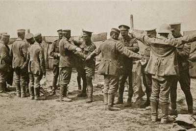https://imgc.allpostersimages.com/img/posters/british-soldiers-searching-german-prisoners-1916_u-L-PPQCFQ0.jpg?p=0
