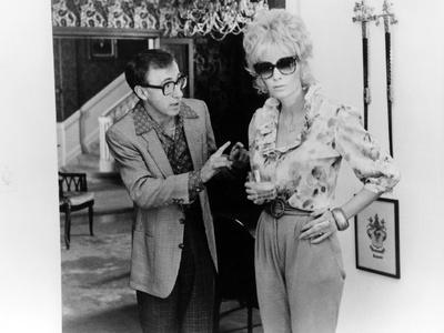https://imgc.allpostersimages.com/img/posters/broadway-danny-rose-1984-directed-by-woody-allen-woody-allen-and-mia-farrow-b-w-photo_u-L-Q1C3X0V0.jpg?artPerspective=n