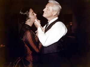 BROKEN LANCE, 1954 directed by EDWARD DMYTRYK Katy Jurado and Spencer Tracy (photo)