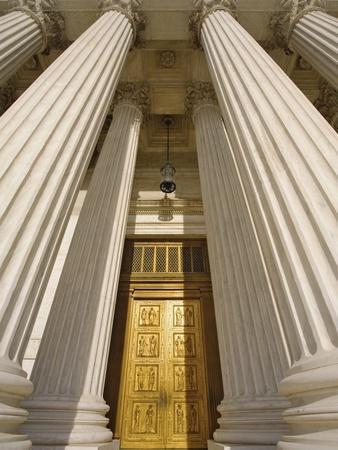 https://imgc.allpostersimages.com/img/posters/bronze-doors-of-united-states-supreme-court_u-L-PZL1HC0.jpg?artPerspective=n