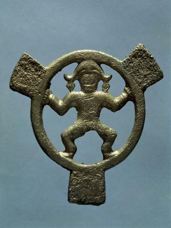 https://imgc.allpostersimages.com/img/posters/bronze-round-plaque-with-human-figure-in-middle-crimea-gotho-alanic-civilization-4th-9th-century_u-L-POPSK30.jpg?p=0