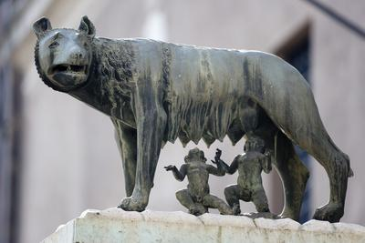https://imgc.allpostersimages.com/img/posters/bronze-sculpture-of-the-she-wolf-with-romulus-and-remus-rome-lazio-italy_u-L-PWFIZZ0.jpg?p=0