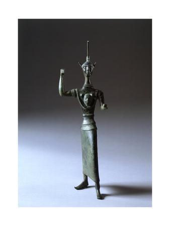 https://imgc.allpostersimages.com/img/posters/bronze-statue-depicting-menerva-in-battle-front-view-etruscan-civilization-440-420-bc_u-L-POTM070.jpg?artPerspective=n