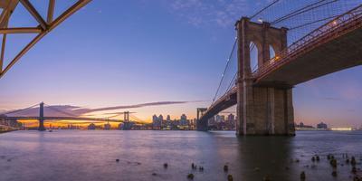 https://imgc.allpostersimages.com/img/posters/brooklyn-bridge-and-manhattan-bridge-beyond-over-east-river-new-york_u-L-Q12R9VI0.jpg?p=0