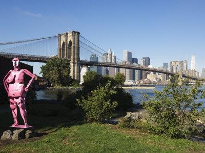 https://imgc.allpostersimages.com/img/posters/brooklyn-bridge-and-manhattan-skyline-with-modern-artwork-in-the-foregound-new-york-city-usa_u-L-P1KBGQ0.jpg?p=0
