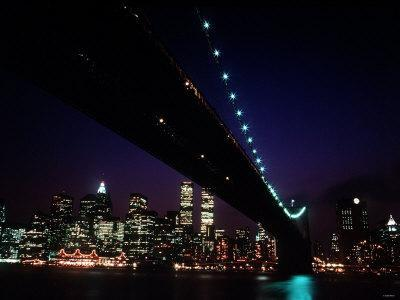 https://imgc.allpostersimages.com/img/posters/brooklyn-bridge-and-skyline-of-new-york-city-at-night_u-L-P5F7YT0.jpg?p=0