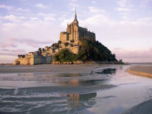 Mont Saint Michel (Mont-St. Michel), Manche, Normandie (Normandy), France by Bruno Morandi