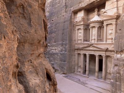 The Treasury (El Khazneh), Petra, Unesco World Heritage Site, Jordan, Middle East