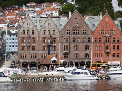 https://imgc.allpostersimages.com/img/posters/bryggen-unesco-world-heritage-site-bergen-norway-scandinavia-europe_u-L-PFO1ZB0.jpg?p=0