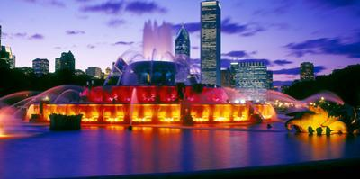 Buckingham Fountain at dusk, Chicago, Cook County, Illinois, USA