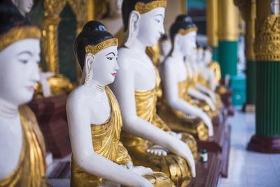 https://imgc.allpostersimages.com/img/posters/buddha-images-at-shwedagon-pagoda-shwedagon-zedi-daw-golden-pagoda-myanmar-burma_u-L-Q12SB3M0.jpg?p=0