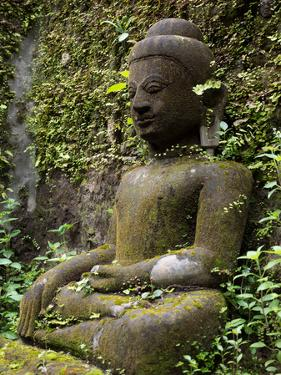 Buddha statue at Koe Thaung temple built by King Min Taik Kha, Mrauk U, Myanmar