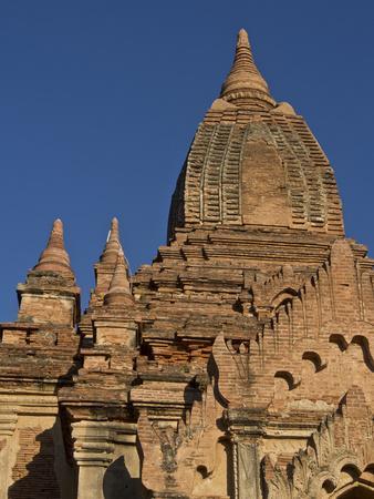 https://imgc.allpostersimages.com/img/posters/buddhist-temples-of-bagan-pagan-myanmar-burma_u-L-PWFIO90.jpg?artPerspective=n