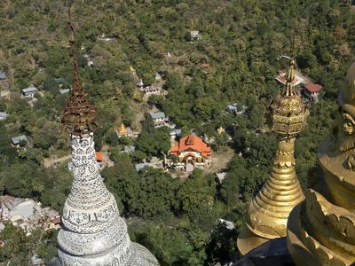 https://imgc.allpostersimages.com/img/posters/buddhist-temples-of-mount-popa-near-bagan-myanmar-burma_u-L-PWFJZT0.jpg?p=0
