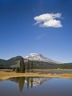 Sisters Peak by Buddy Mays
