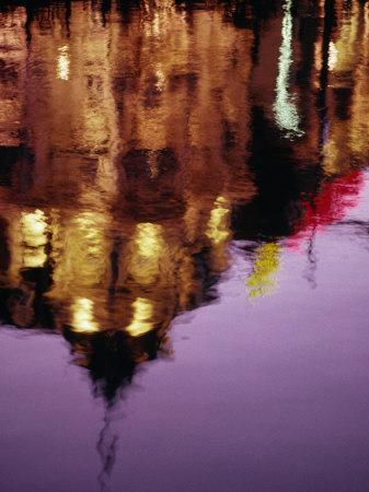 https://imgc.allpostersimages.com/img/posters/building-reflection-in-canal-amsterdam-north-holland-netherlands_u-L-P3SDI50.jpg?p=0