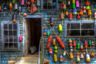 https://imgc.allpostersimages.com/img/posters/buoys-on-an-old-shed-at-bass-harbor-bernard-maine-usa_u-L-PN71X60.jpg?p=0