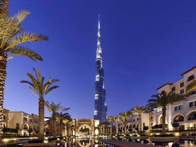 https://imgc.allpostersimages.com/img/posters/burj-khalifa-the-highest-tower-of-the-world-night-photography_u-L-Q11YRQF0.jpg?p=0