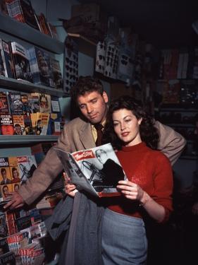 """Burt Lancaster and Ava Gardner sur le plateau du film """"Les tueurs"""", 1946"""