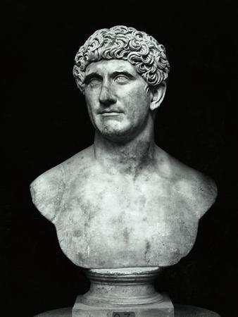 https://imgc.allpostersimages.com/img/posters/bust-of-marc-anthony_u-L-PZOH0B0.jpg?artPerspective=n