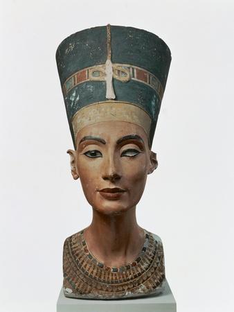 https://imgc.allpostersimages.com/img/posters/bust-of-queen-nefertiti_u-L-POPEVV0.jpg?p=0